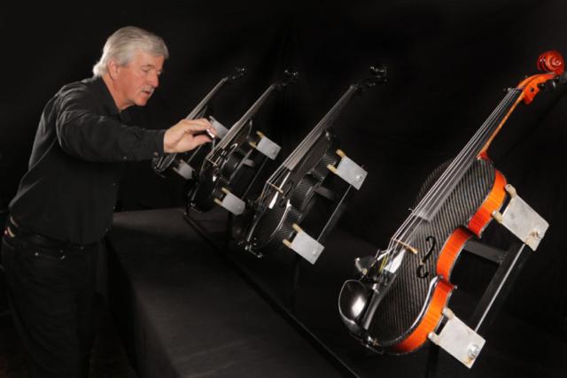 testing the Gayford Carbon Strad